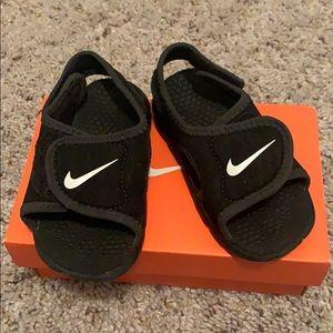 Nike sandals 6c